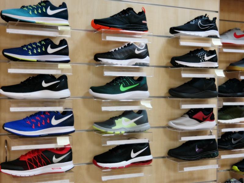 cb8898e1c9eb Karácsonyi árzuhanás a kalocsai Nike üzletben - KALOhírek